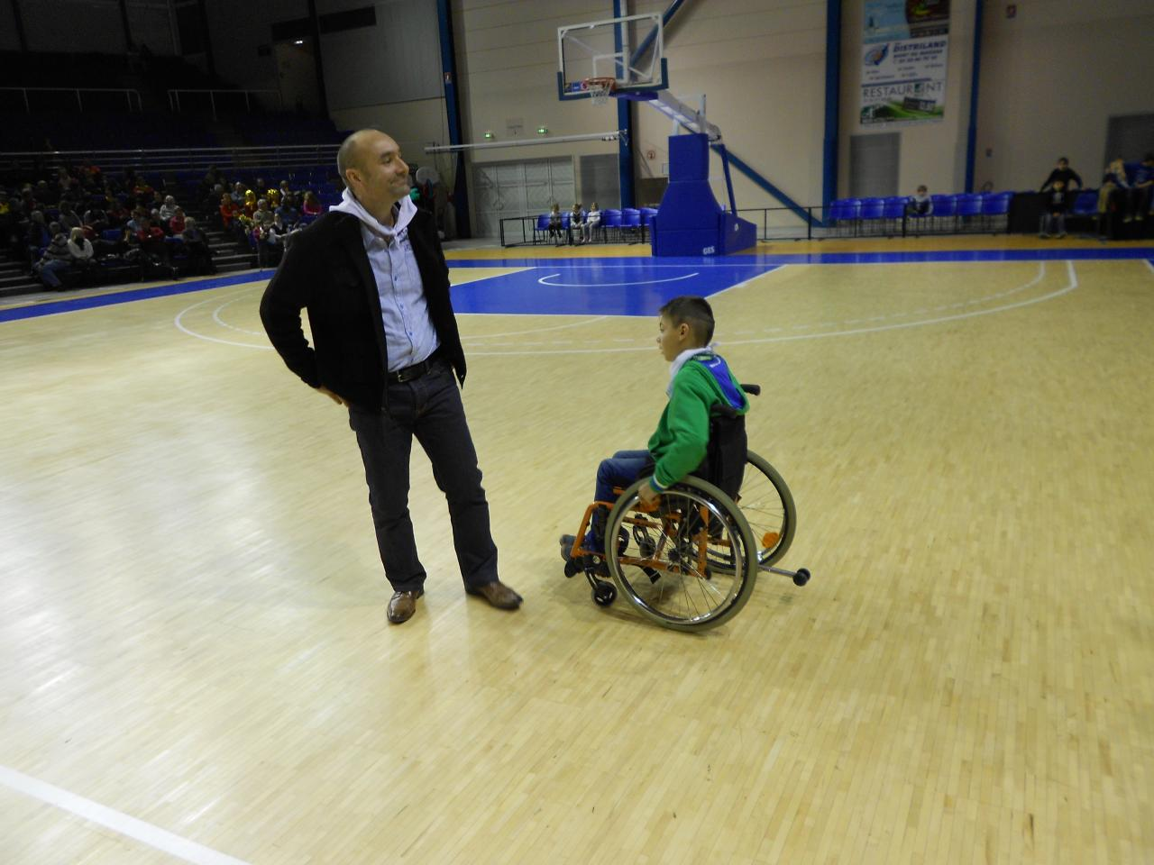 Coup d'envoi Stade Montois Basket Vs Tarbes par Hugo